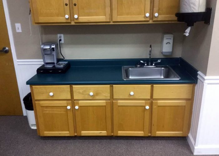 tubz plus-before and after-countertops-2B